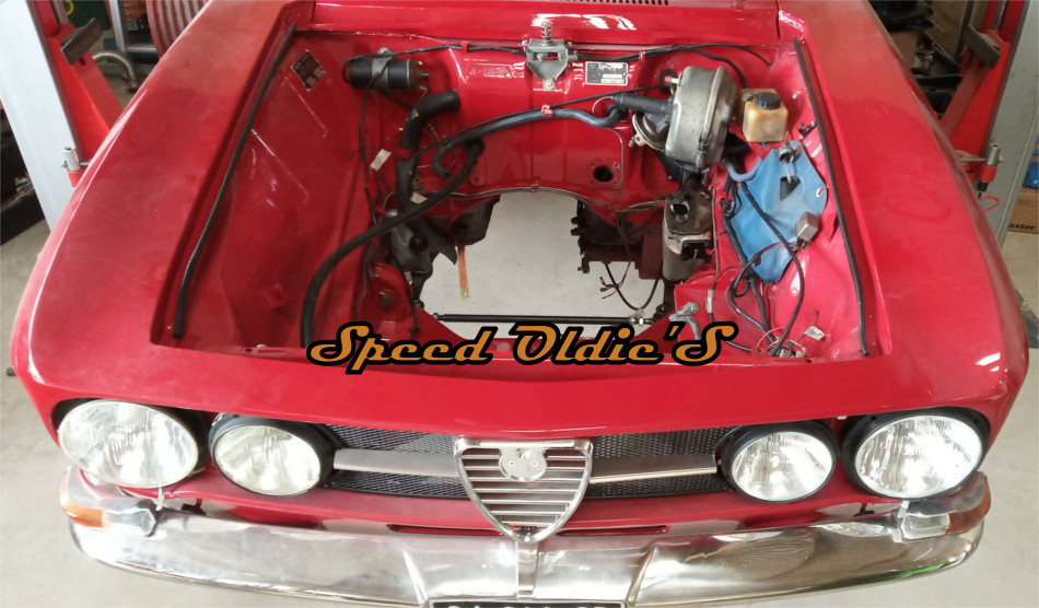 quelques photos Compartiment_moteur_Coupe_BErtone_Alfa