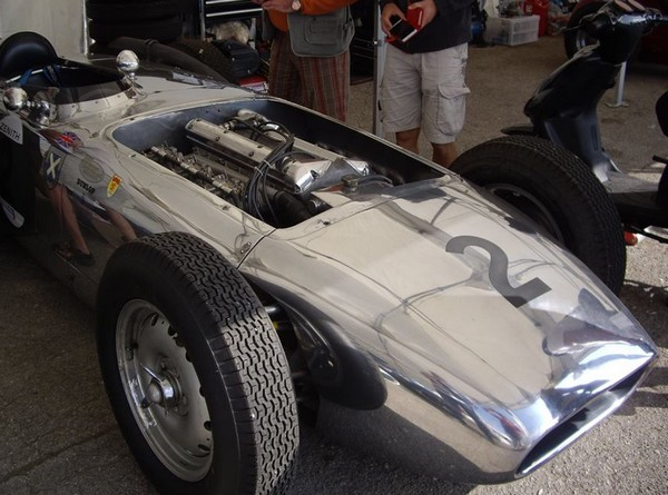 Jaguar à toutes les sauces. - Page 10 FILTRE-Lister-jaguar-Indy-1958