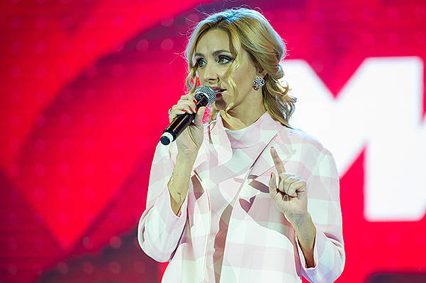 Татьяна Навка - ведущая канала Матч-ТВ - Страница 2 20151029-dolce-12