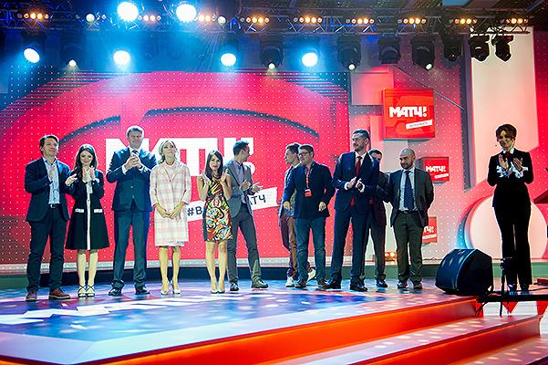 Татьяна Навка - ведущая канала Матч-ТВ - Страница 2 20151029-dolce-4
