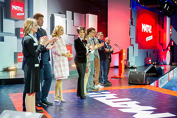 Татьяна Навка - ведущая канала Матч-ТВ - Страница 2 20151029-dolce-6