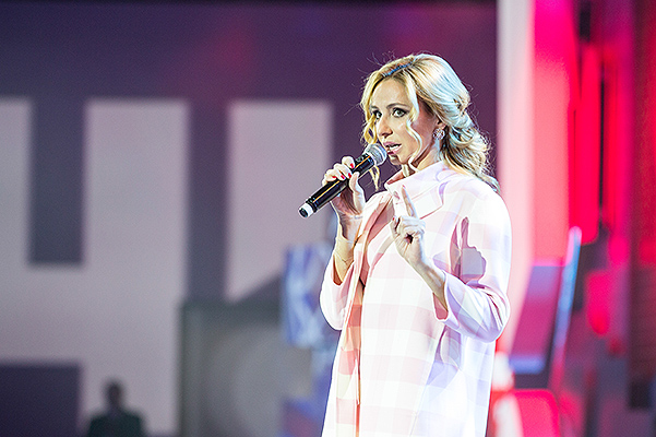 Татьяна Навка - ведущая канала Матч-ТВ - Страница 2 20151029-dolce