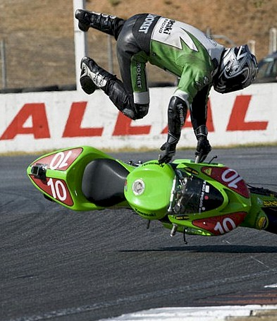 Cair de moto: highside e lowside Highside02