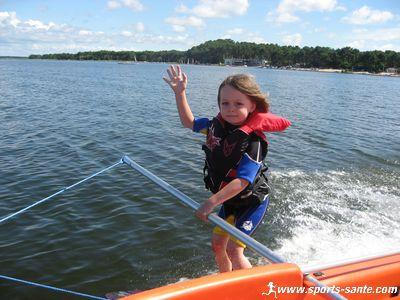 Les Saisons - Page 2 Ski-nautique-enfant