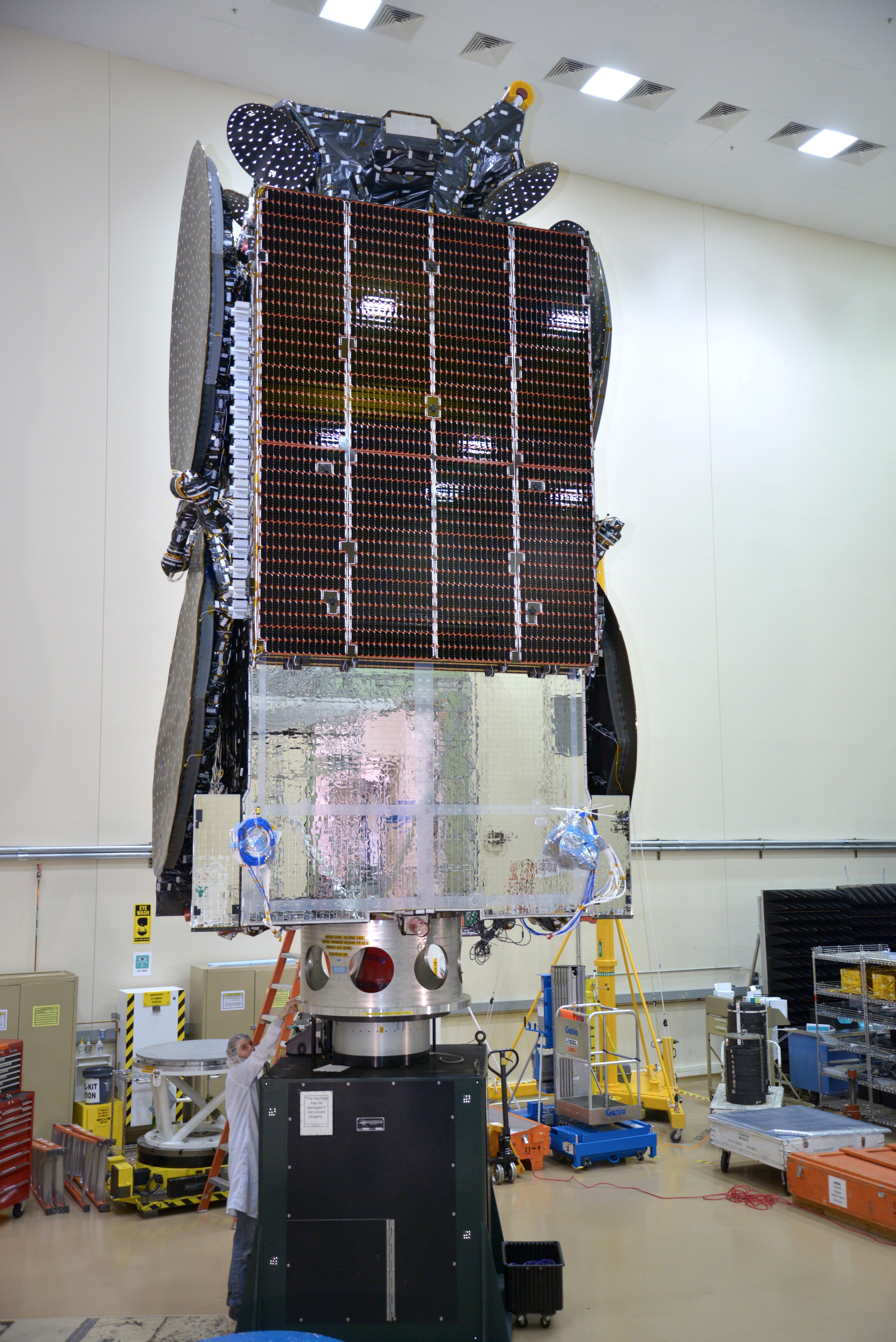 Lancement Ariane 5 ECA VA224 / Star One C4 + MSG4 - 15 juillet 2015  - Page 2 Stonec4-cgmoi