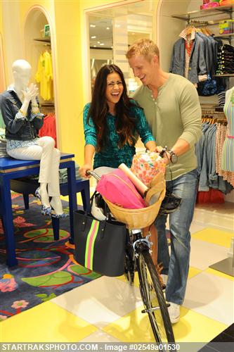 Sean & Catherine Lowe - Pictures - No Discussion 02549a01530