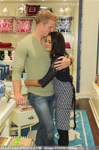 Sean & Catherine Lowe - Pictures - No Discussion 1d69b2104cb