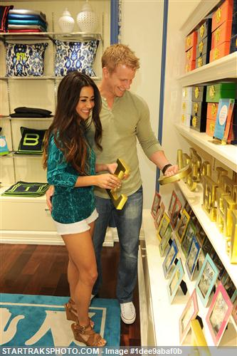 Sean & Catherine Lowe - Pictures - No Discussion 1dee9abaf0b