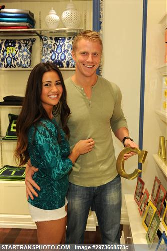 Sean & Catherine Lowe - Pictures - No Discussion 2973668573c
