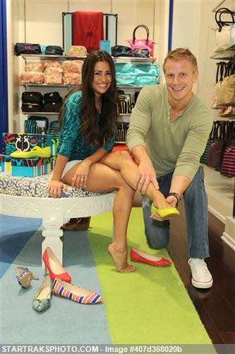 Sean & Catherine Lowe - Pictures - No Discussion 407d368020b