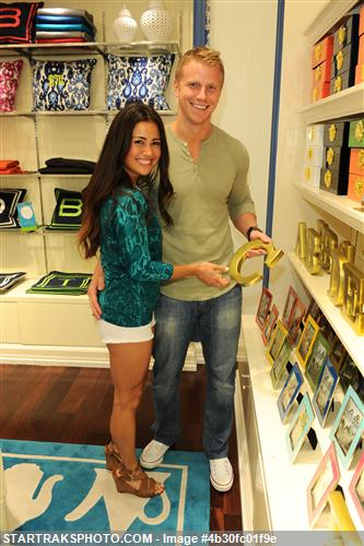 Sean & Catherine Lowe - Pictures - No Discussion 4b30fc01f9e