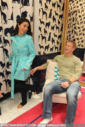 Sean & Catherine Lowe - Pictures - No Discussion 4b8caa7c0b2
