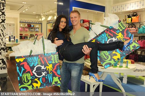 Sean & Catherine Lowe - Pictures - No Discussion 56c0bc005e2