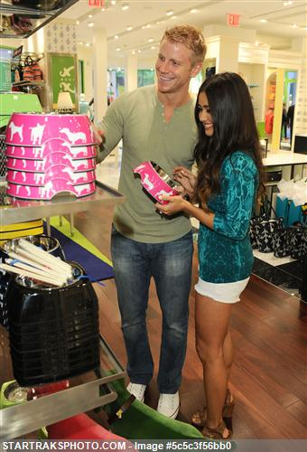 Sean & Catherine Lowe - Pictures - No Discussion 5c5c3f56bb0