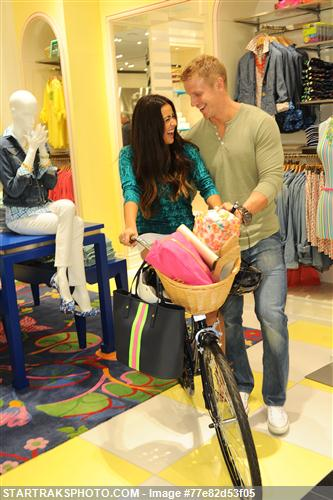 Sean & Catherine Lowe - Pictures - No Discussion 77e82d53f05