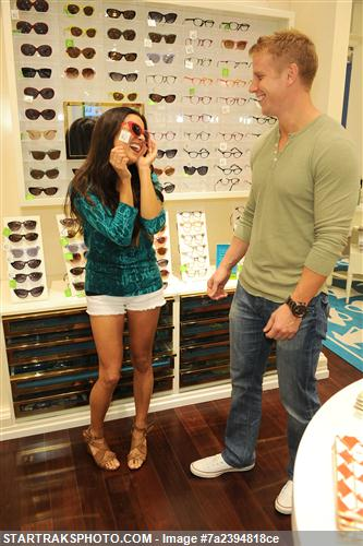Sean & Catherine Lowe - Pictures - No Discussion 7a2394818ce