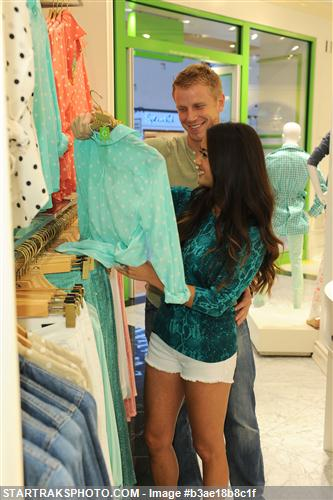 Sean & Catherine Lowe - Pictures - No Discussion B3ae18b8c1f