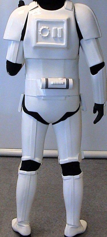 Les différents costumes fan-made de stormtrooper Sds-shepperton-ainsworth-stormtrooper-armor-02a