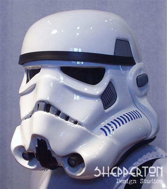 Les différents costumes fan-made de stormtrooper Sds-shepperton-ainsworth-stormtrooper-helmet-01