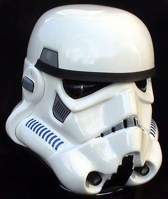 Les différents costumes fan-made de stormtrooper Sds-shepperton-ainsworth-stormtrooper-hero-02