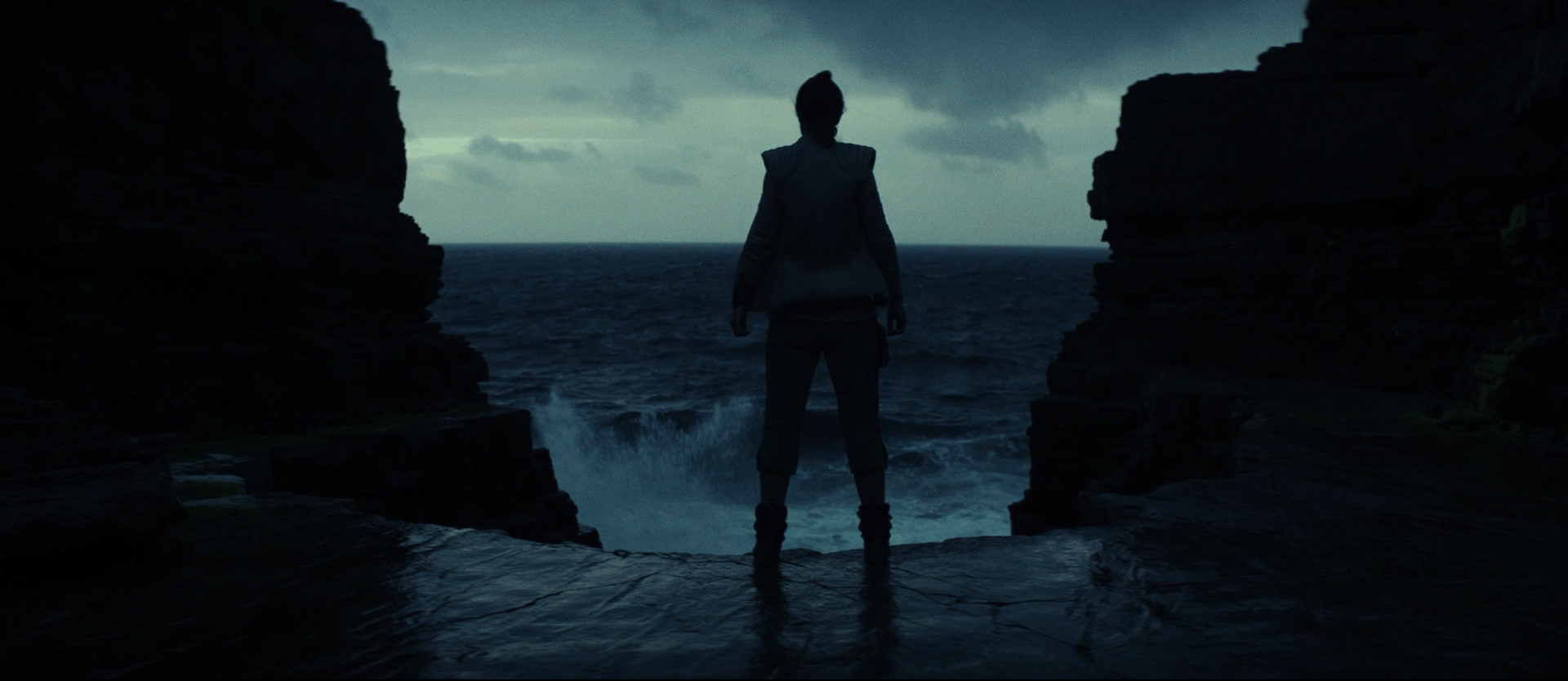 Theatrical poster discussion - The Last Jedi - Page 10 TLJ-22