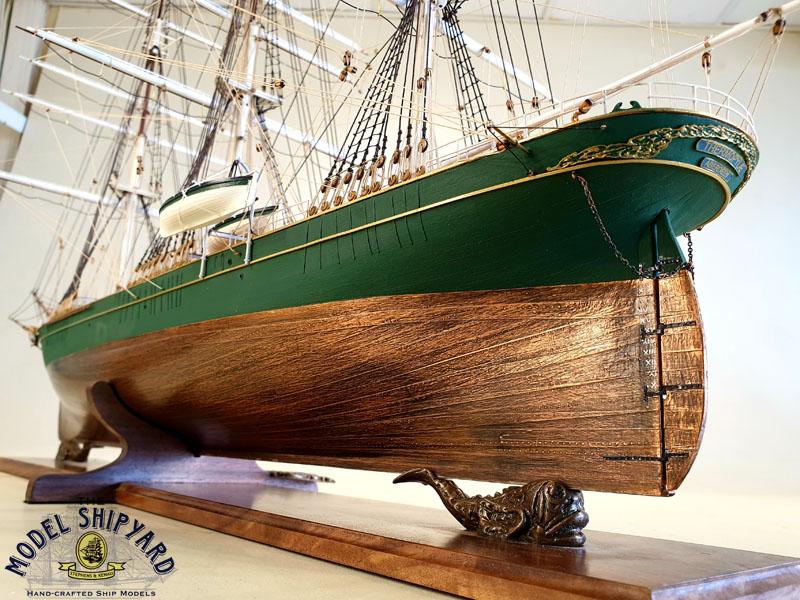 Cerco piani costruttivi Thermopylae (scala generosa) Thermopylae-Wooden-Scale-Model-Ship-Stern-View