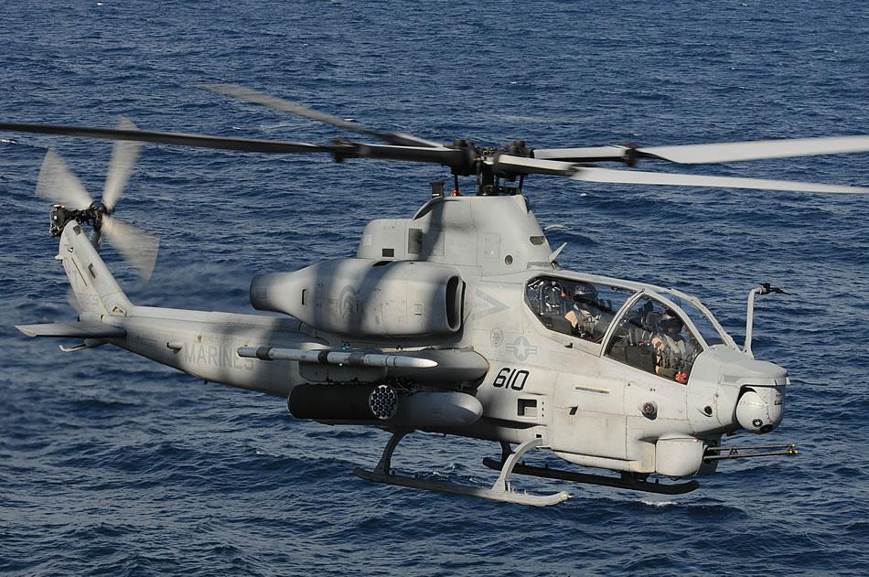 Hélicoptères de combats - Page 3 AH-1Z-Cobra