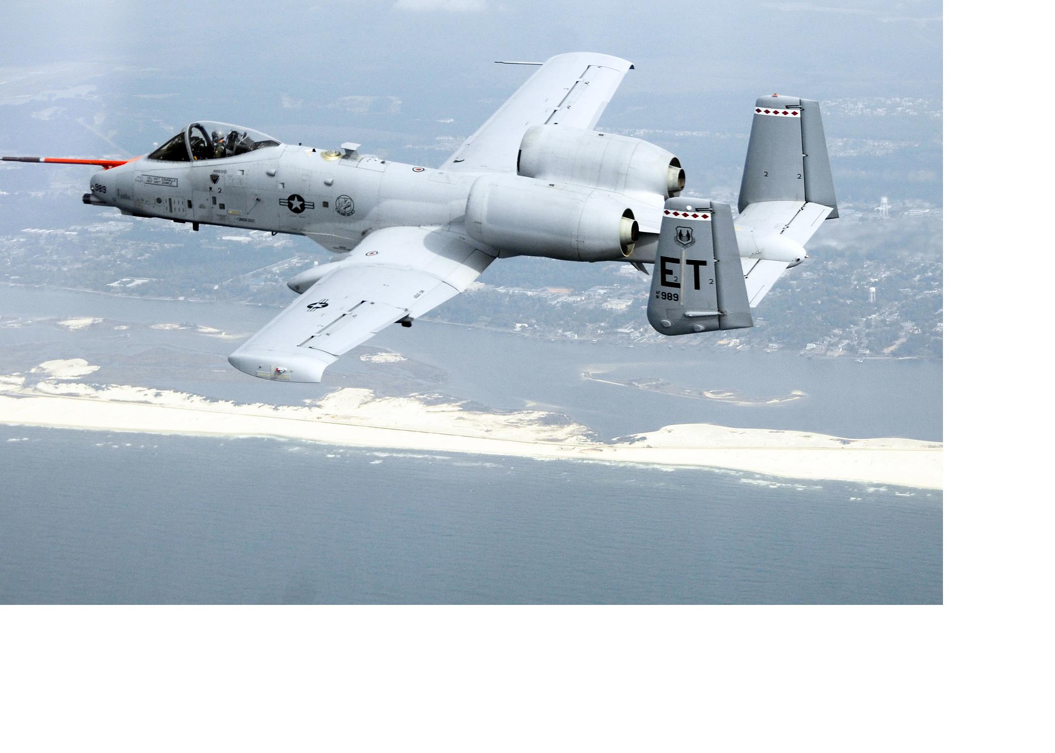 Fairchild A10C Thunderbolt II - Page 2 A-10-on-bio-fuel