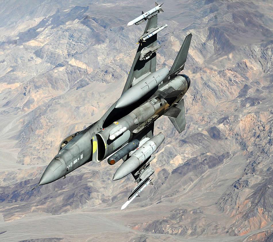 USA Bring-it-f-16-falcon-05-2011