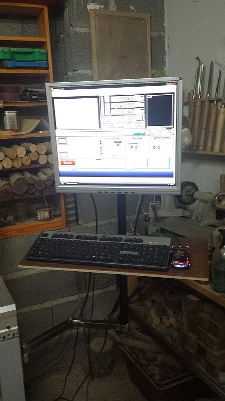 Un bras support ecran/clavier pour ma 6040 060