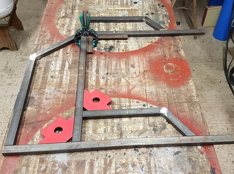 [Terminé] - Fabrication de 2 chariots pour poste à souder 011