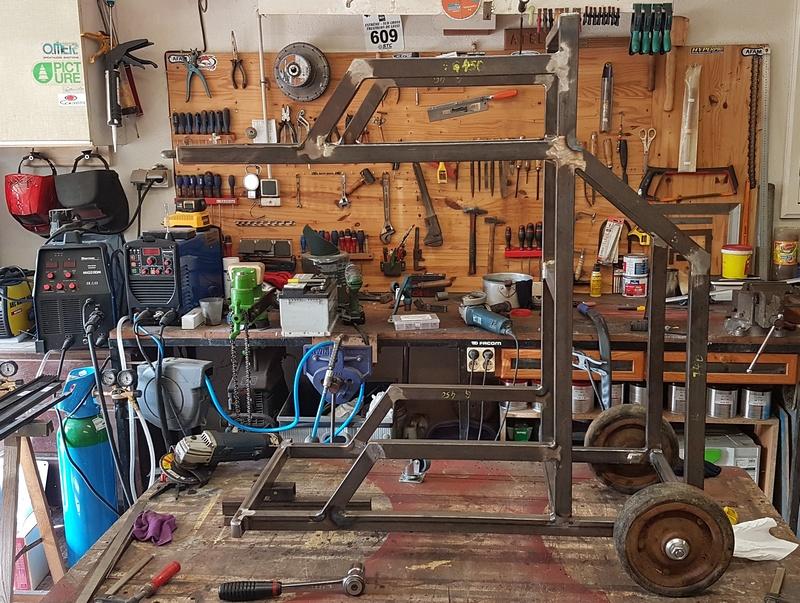 [Terminé] - Fabrication de 2 chariots pour poste à souder 032