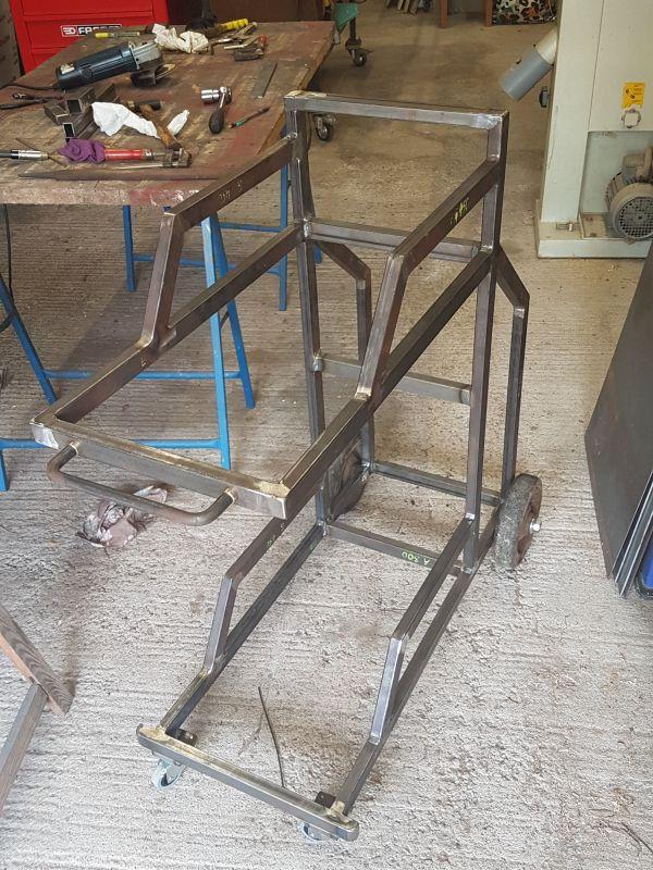 [Terminé] - Fabrication de 2 chariots pour poste à souder 040