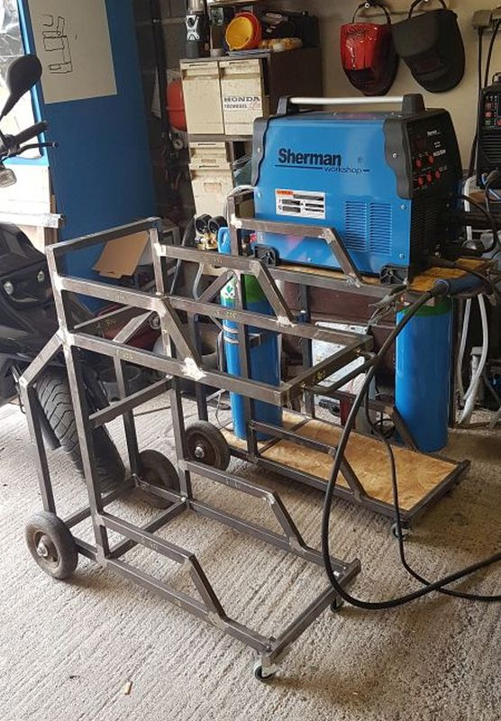 [Terminé] - Fabrication de 2 chariots pour poste à souder 058