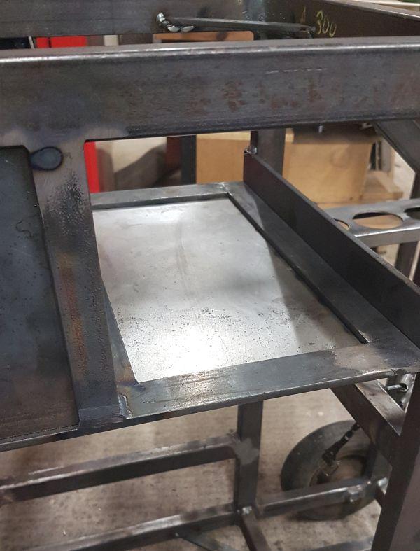 [Terminé] - Fabrication de 2 chariots pour poste à souder 090