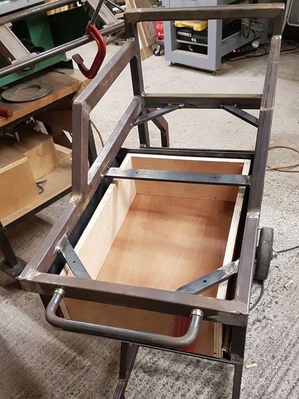 [Terminé] - Fabrication de 2 chariots pour poste à souder 091
