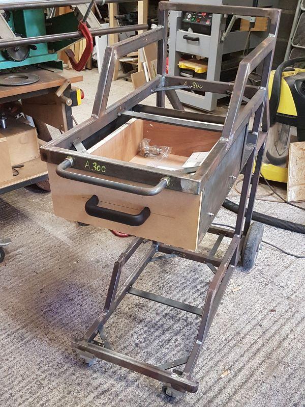 [Terminé] - Fabrication de 2 chariots pour poste à souder 093