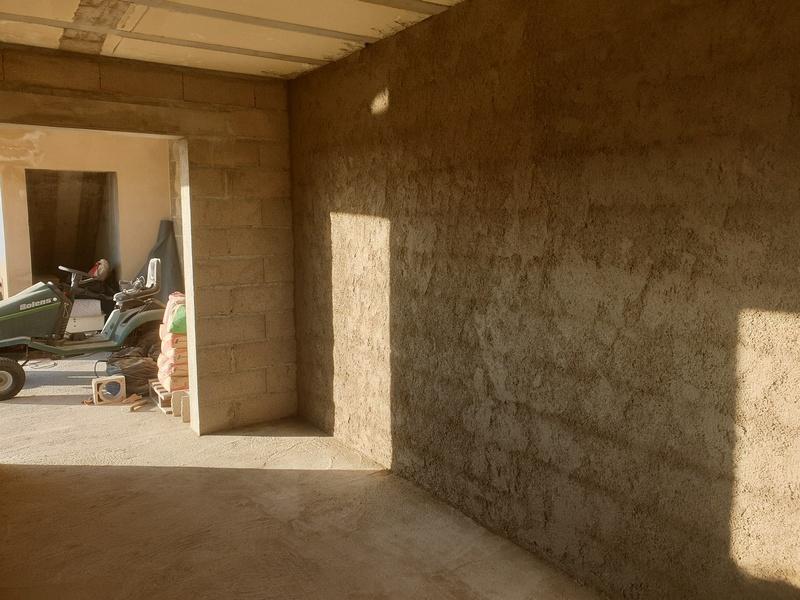 [Maçonnerie] Extension de mon atelier, Je vois le bout du tunnel ... - Page 2 138