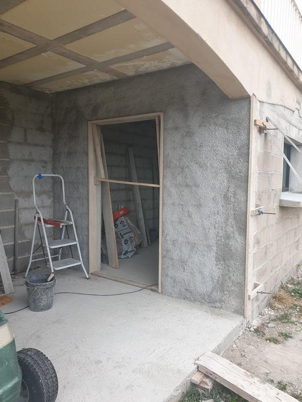 [Maçonnerie] Extension de mon atelier, Je vois le bout du tunnel ... - Page 4 186