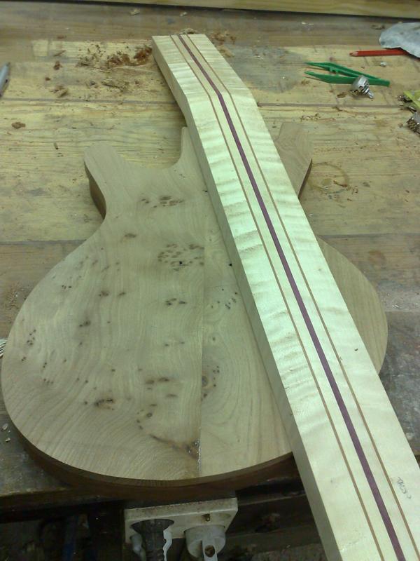 Fabrication d'une guitare Electrique : Terminée le 26/12/2014 - Page 2 026