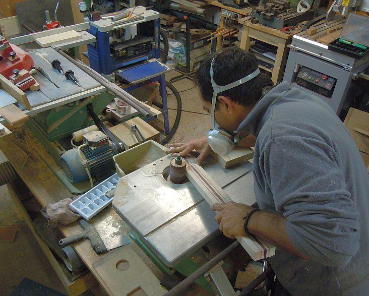 Fabrication d'une guitare Electrique : Terminée le 26/12/2014 - Page 2 104
