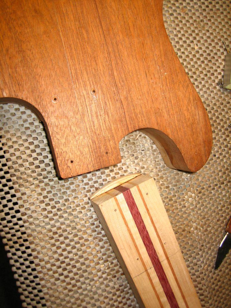 Fabrication d'une guitare Electrique : Terminée le 26/12/2014 - Page 2 111