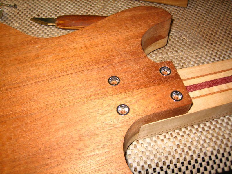 Fabrication d'une guitare Electrique : Terminée le 26/12/2014 - Page 2 113