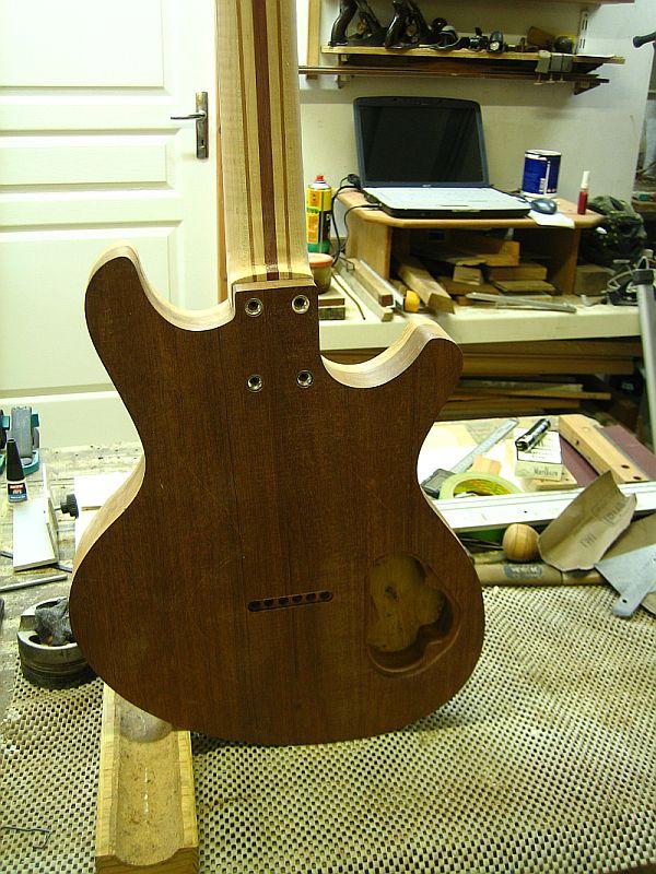 Fabrication d'une guitare Electrique : Terminée le 26/12/2014 - Page 2 132