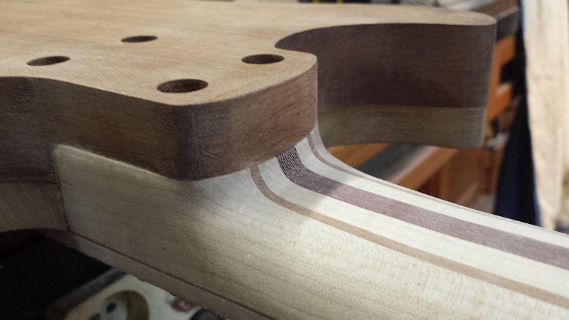 Fabrication d'une guitare Electrique : Terminée le 26/12/2014 - Page 2 137