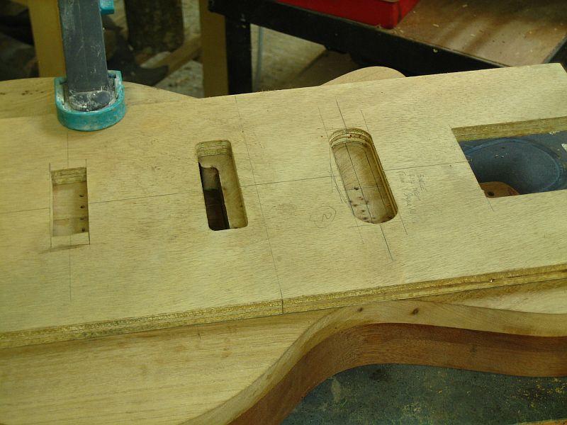 Fabrication d'une guitare Electrique : Terminée le 26/12/2014 - Page 2 143