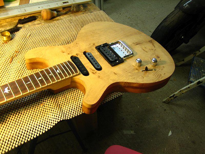 Fabrication d'une guitare Electrique : Terminée le 26/12/2014 - Page 2 153