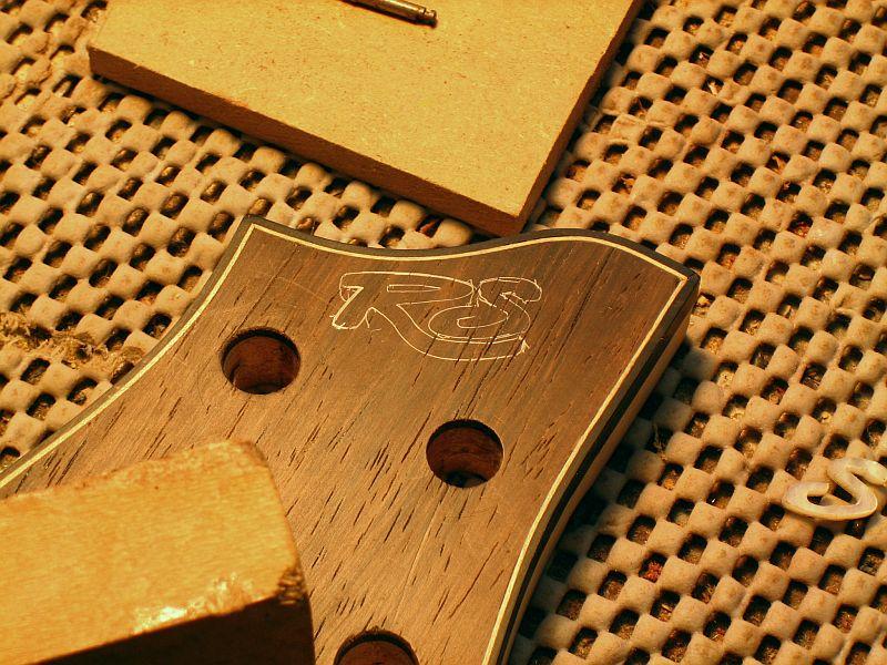 Fabrication d'une guitare Electrique : Terminée le 26/12/2014 - Page 3 180