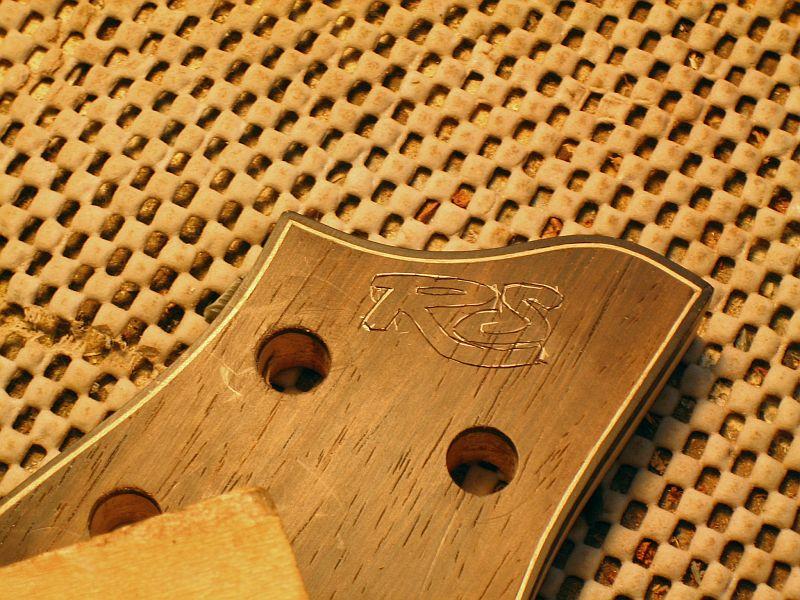 Fabrication d'une guitare Electrique : Terminée le 26/12/2014 - Page 3 181
