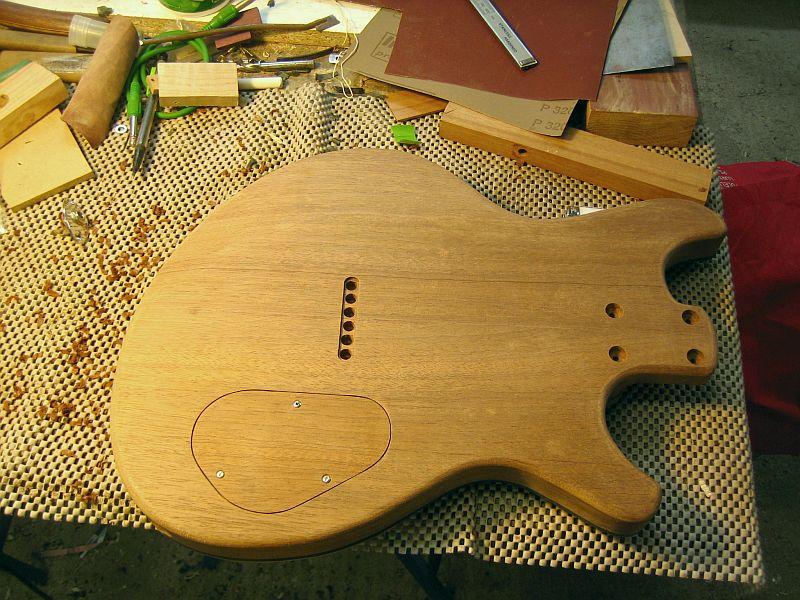 Fabrication d'une guitare Electrique : Terminée le 26/12/2014 - Page 3 188